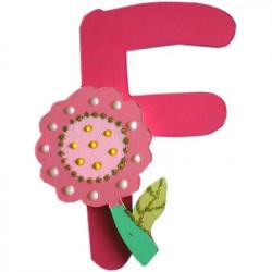 lettre alphabet en bois f d cor e avec une fleur lettre bois. Black Bedroom Furniture Sets. Home Design Ideas
