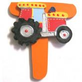 Lettre en bois T comme tracteur