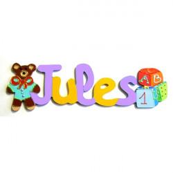 Prénom en bois décoré jouet